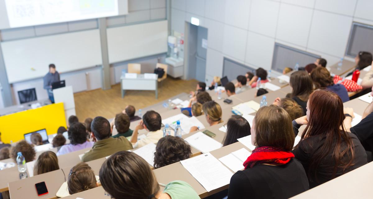 Jornada de empleo y presentación de empresas - Facultat de Química